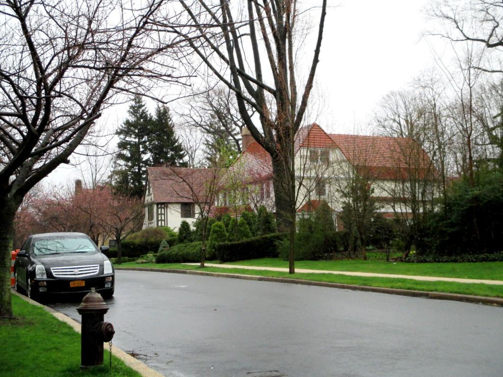 Forrest Hills. Il pleuvait ce jour-là, le jour de mon départ. J'aurais bien aimé voir ça avec un joli ciel bleu.