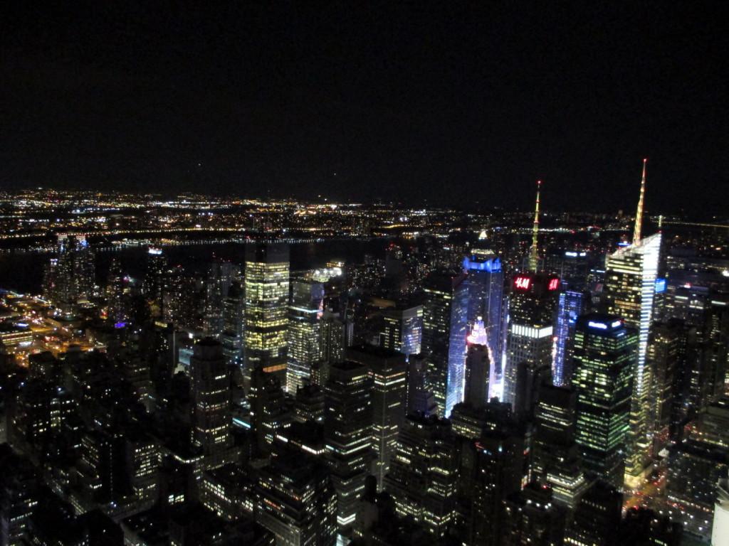 New York, la nuit, vue de l'Empire State Building.