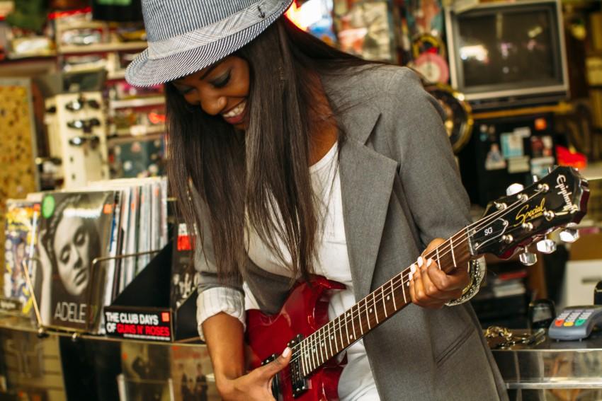 guitarist by lechon kirb